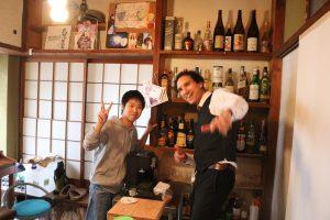 """シェアハウス2階のBarコーナー """"Oli Bar""""にて"""