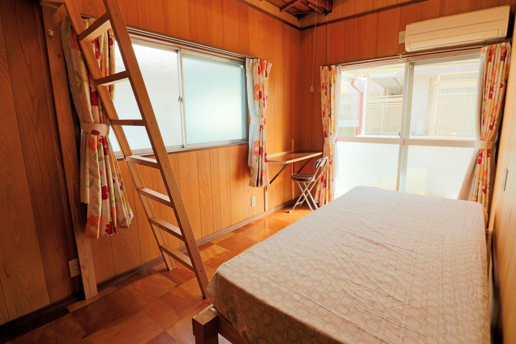 Room201 ロフト & ベッド & テーブル付き【神戸シェアハウス和楽居オーシャン】