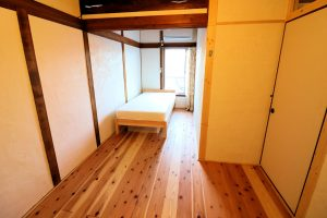 Room202 ベッド【神戸シェアハウス和楽居グランブルー】