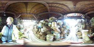 たるや竹十 工房内は樽が山積み
