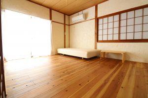 Room101 ベッド&机