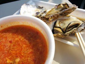 茹でた牡蠣とカルビスープ