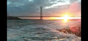 明石海峡に沈む夕日 アジュール舞子
