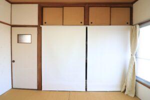 グランブルー102【収納のロールスクリーン閉じた状態】